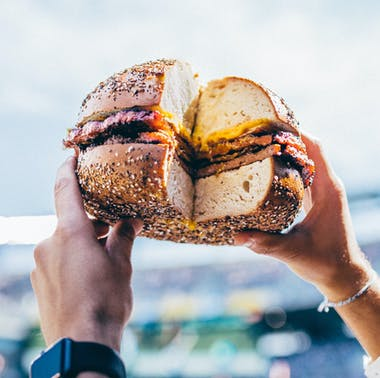 The Best Things To Eat At MetLife Stadium For A NY Jets Game feature image