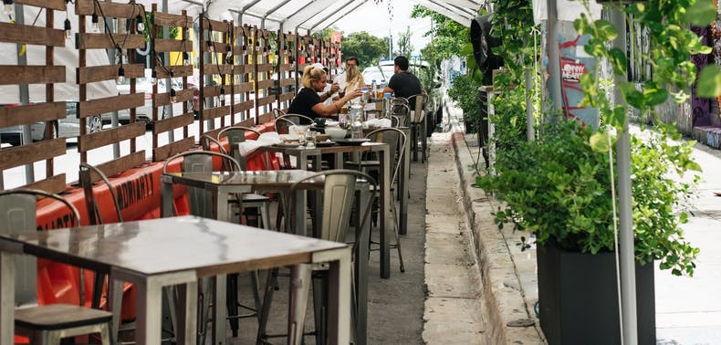 Miami Outdoor Dining, In Pictures