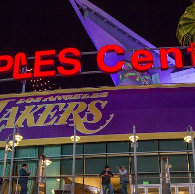 What To Eat At The Staples Center feature image