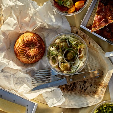 18 Things To Order From London Restaurants For A Big-Deal Picnic