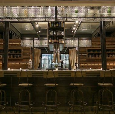 15 Great Chicago Neighborhood Restaurants feature image