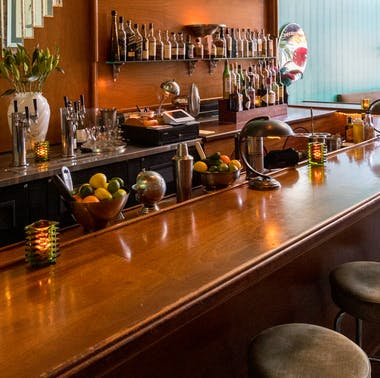 27 Hollywood Bars That Don't Suck