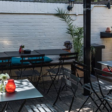 7 Pubs With Outdoor Seating & Outstanding Food To Book Now