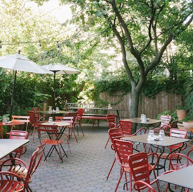 77 Great Places To Eat Outside Right Now