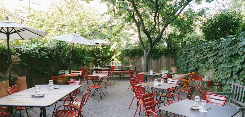 57 Great Places To Eat Outside Right Now