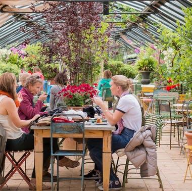 5 Restaurants With Outdoor Seating Perfect For A Family Reunion