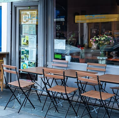 14 Coffee Shops With Outdoor Seating