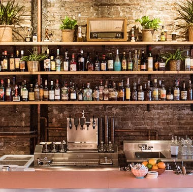 20 Chicago Bars Perfect For A First Date