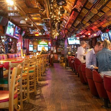 24 LA Bars Where You Can Actually Meet People