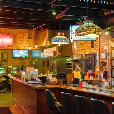 The Chicago Bar Hit List: Where To Drink Right Now