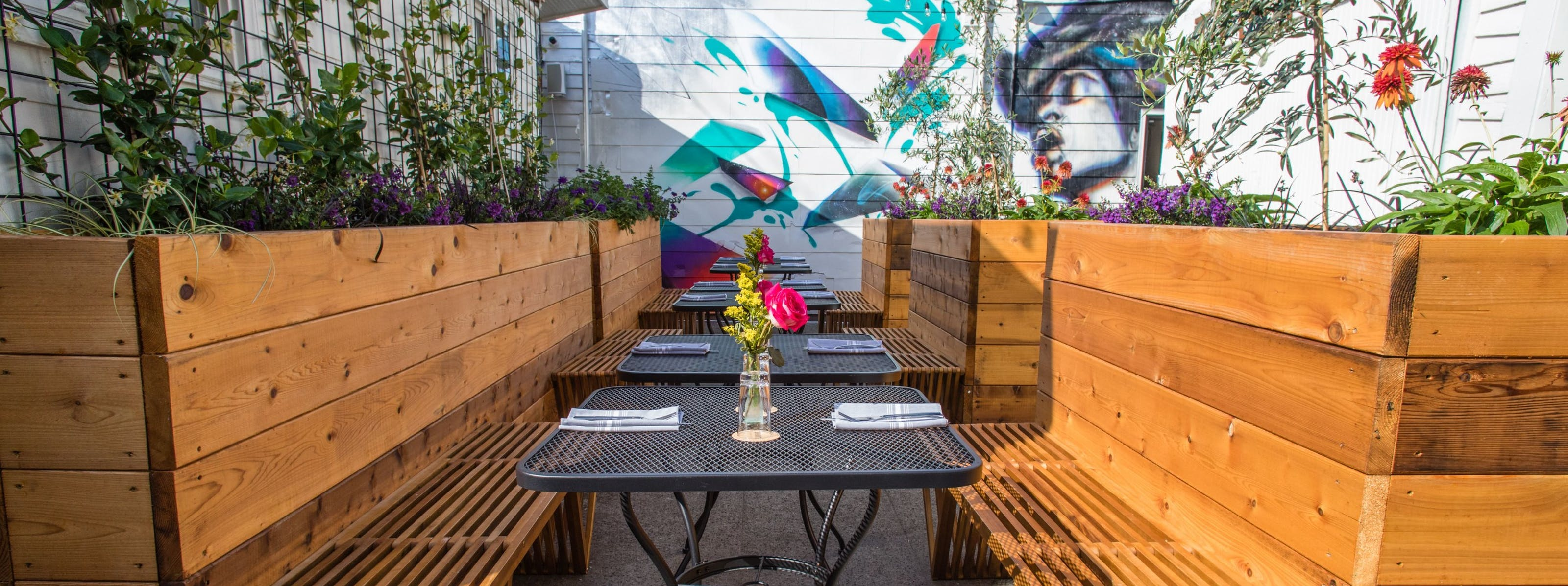 Seattle Restaurants & Bars With Outdoor Seating That Have Reopened