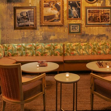 The Best Bars For A First Date In Miami
