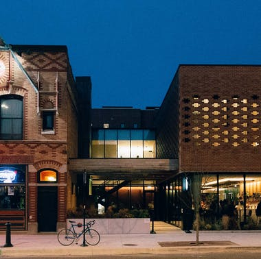 The Best Restaurants In Lakeview