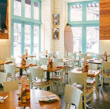 The Best Restaurants For Affordable Group Dinners