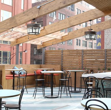The Best Chicago Rooftops For Eating & Drinking