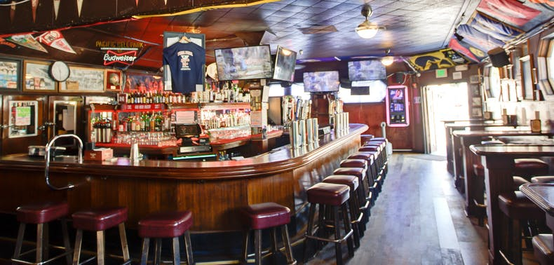 The Best Bars To Watch Sports In San Francisco