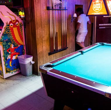 The First Timer's Guide To Drinking In Austin