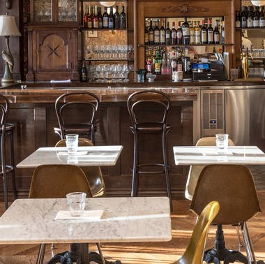 The Meet In The Middle Guide: Where To Eat When You're Coming From Opposite Sides Of Town
