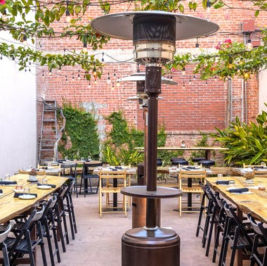 NYC Restaurants With Outdoor Heat Lamps