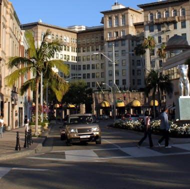 Where To Eat Around LA's Tourist Traps feature image