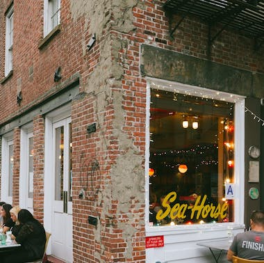 Where To Eat At The South Street Seaport feature image