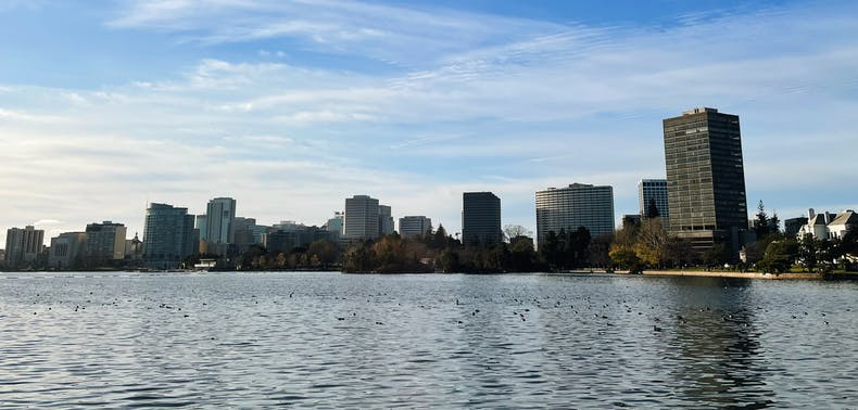 Where To Eat & Drink Near Lake Merritt