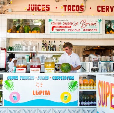 Where To Eat In The Hamptons With A Big Group feature image