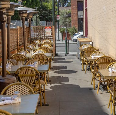 Where To Eat Outside In Pasadena