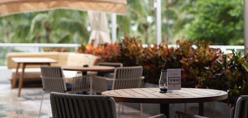 Where To Eat Outside In South Beach