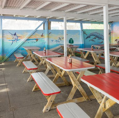 Where To Eat Seafood Outside In LA