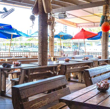Where To Have Drinks And Oysters Outside