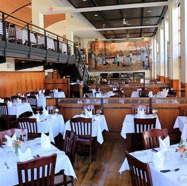 Lauriol Plaza Restaurant feature image