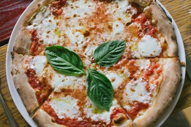 Tavola Hell S Kitchen New York The Infatuation