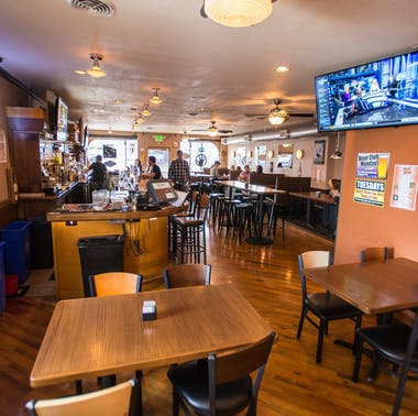 Federal Bar & Grill feature image