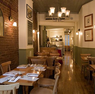 Pearl Oyster Bar feature image