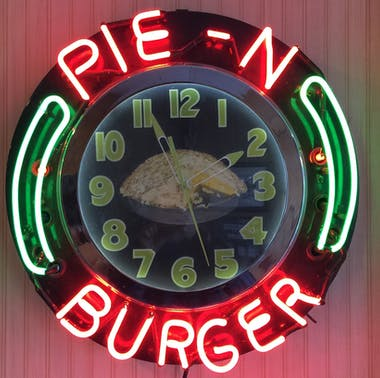 Pie 'n Burger feature image
